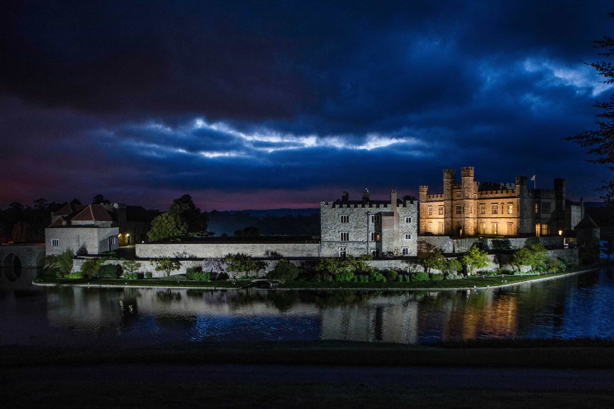 leeds castle at night photographed by steven brooks wedding photographer